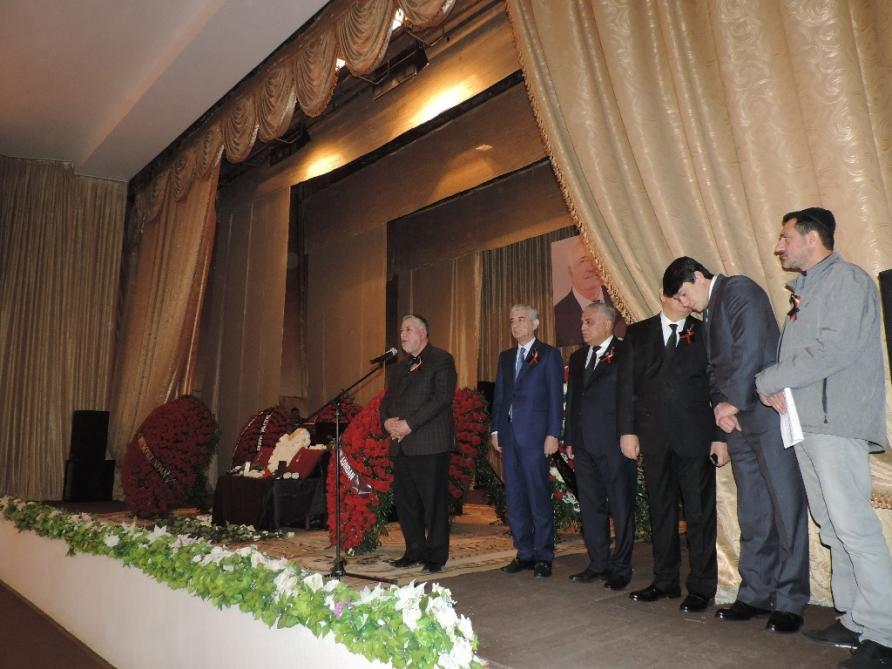 Состоялась церемония прощания с депутатом Милли Меджлиса Евдой Абрамовым