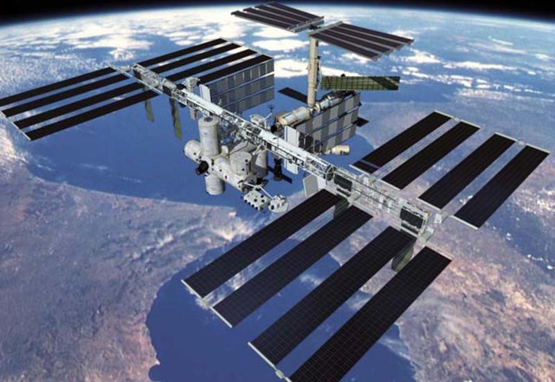 Астронавты начали операцию по стыковке грузового корабля Dragon с МКС