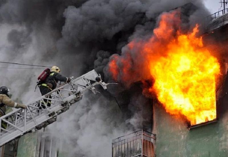 Сильный пожар в Хырдалане, есть пострадавший
