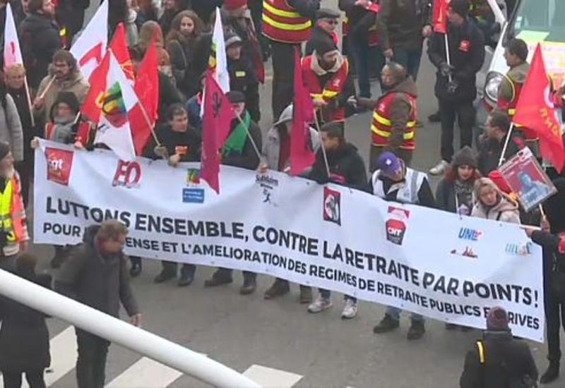 Чёрный понедельник: во Франции бастуют транспортники