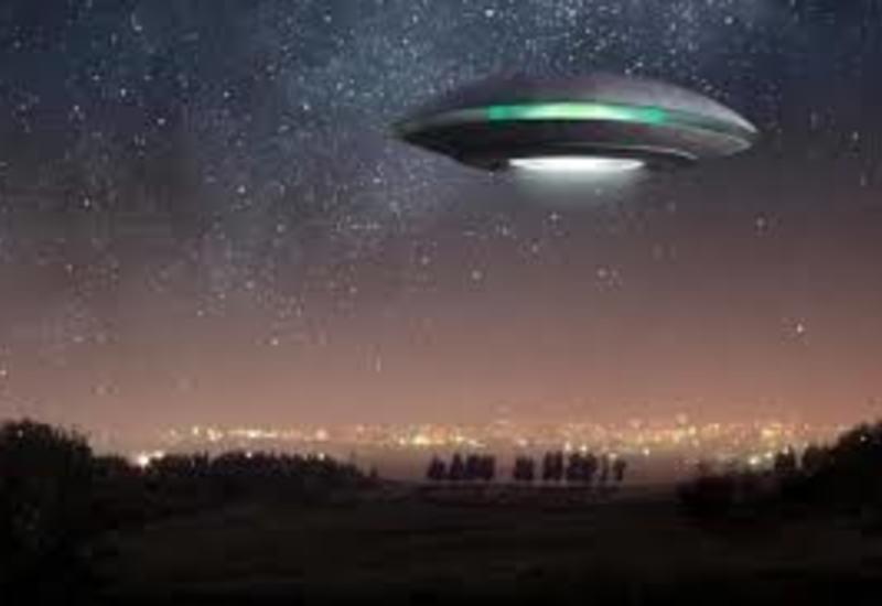 Зрители спорят по поводу НЛО, летавшего над шоссе
