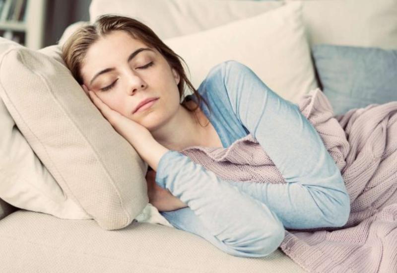 Недостаток сна отравляет мозг и может вызвать болезнь Альцгеймера
