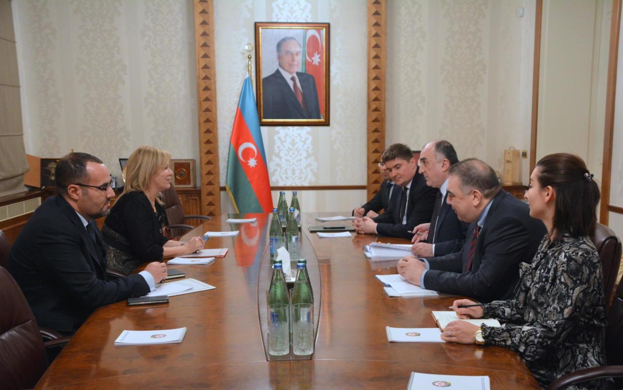 Эльмар Мамедъяров принял нового посла Алжира