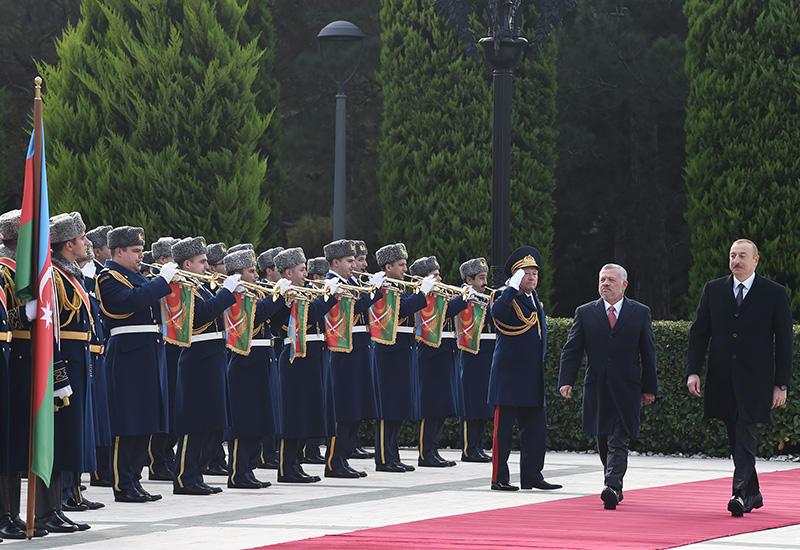 Состоялась церемония официальной встречи Короля Иордании Абдаллы ll в Баку