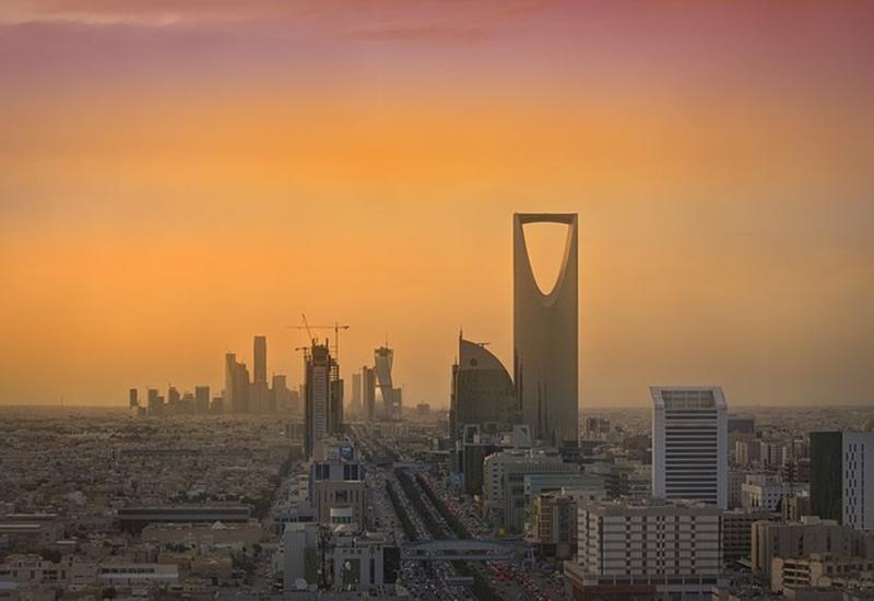 Саудовская Аравия отрицает, что у королевства заканчиваются деньги