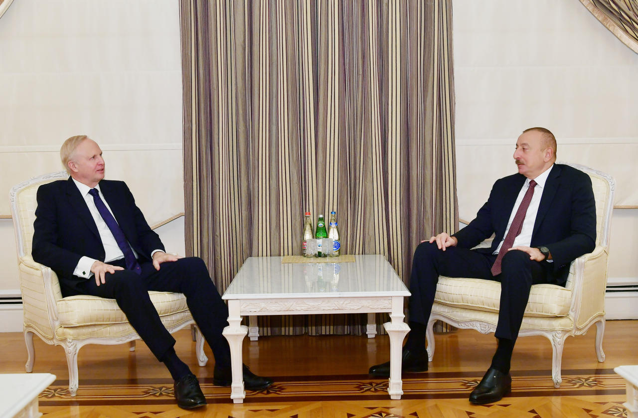 Президент Ильхам Алиев принял генерального исполнительного директора группы ВР