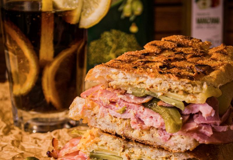В США выставили на продажу сэндвич с курицей за $120 тыс.