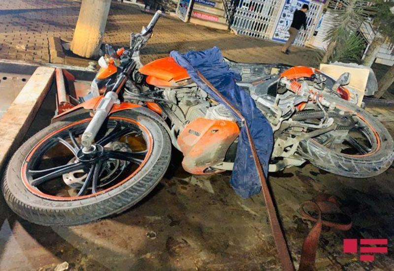В Баку мотоциклист устроил крупное ДТП