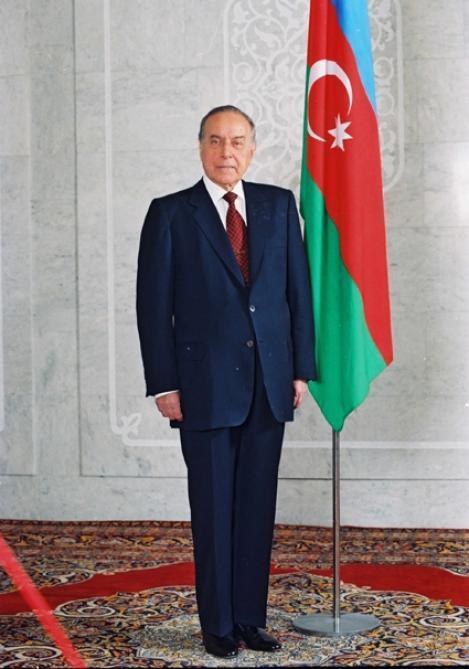 Böyük ömrün fotolarda əbədiləşən anları
