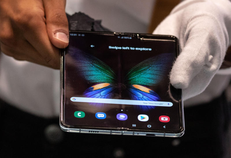 Samsung продала миллион сгибаемых смартфонов