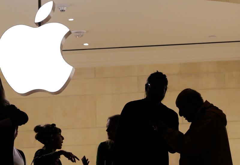 Apple отвергает обвинения властей США в деле о стрельбе на авиабазе