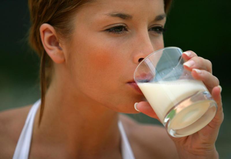 Почему опасно каждый день пить молоко