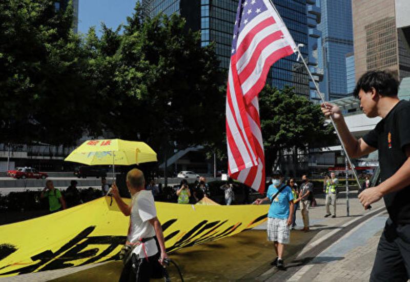 Премьер Китая призвал правительство Гонконга прекратить хаос