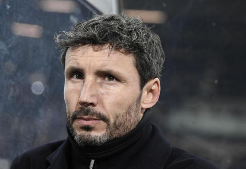 Голландский ПСВ уволил главного тренера Марка ван Боммела