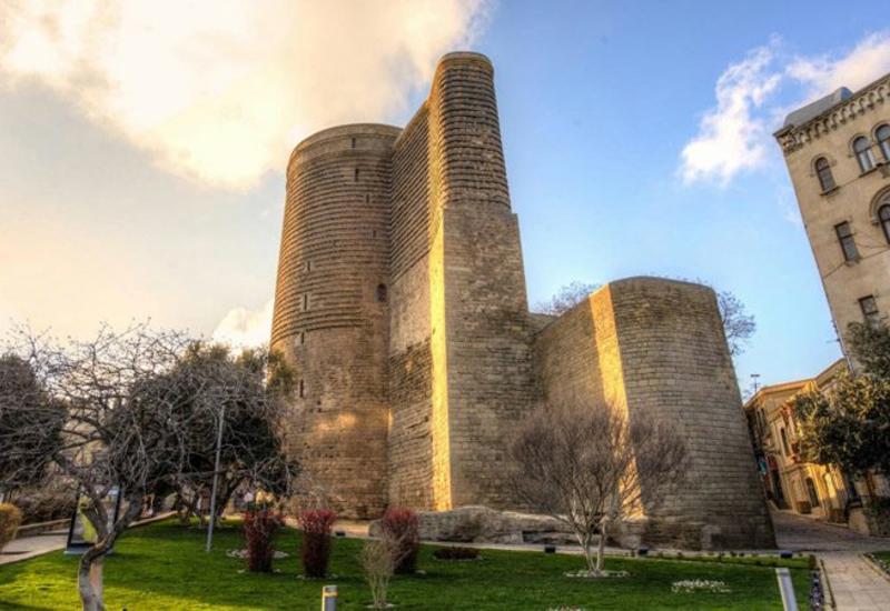 Великолепная Девичья башня и виды Баку с высоты