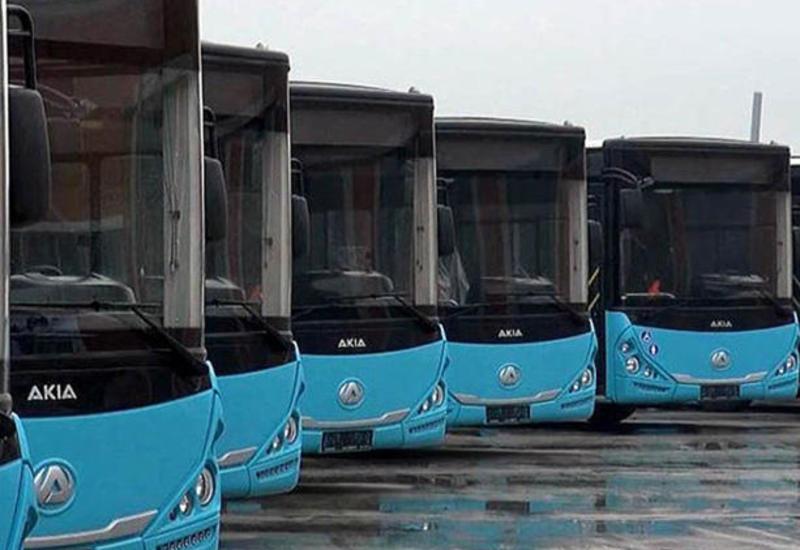 В Баку привезли сотни новых автобусов