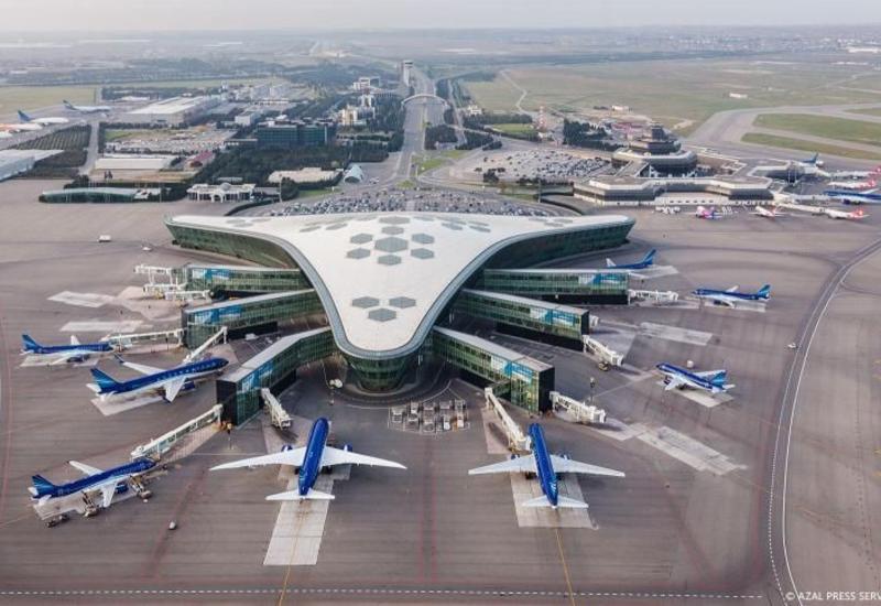 Туман не повлиял на работу Международного аэропорта Гейдар Алиев
