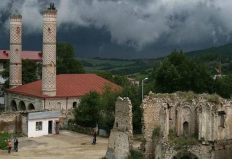 Азербайджанская община Карабаха напугала Ереван