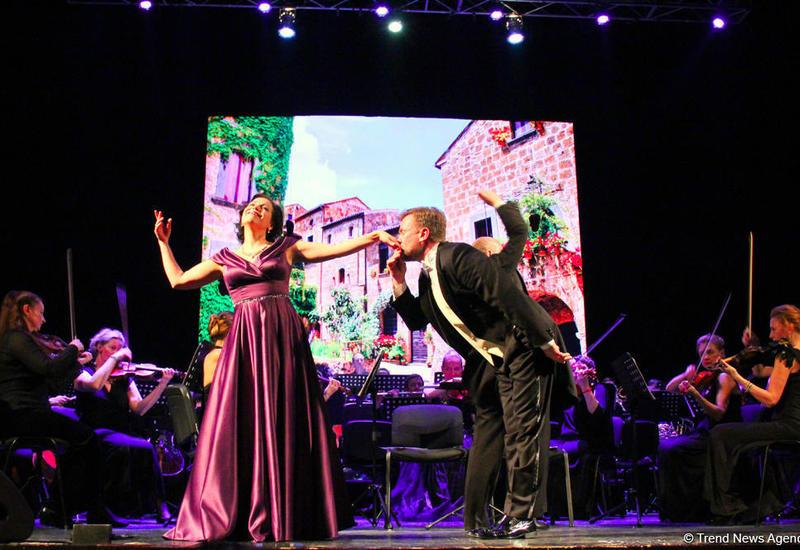 """В Баку прошел потрясающий гала-концерт солистов и оркестра театра """"Санктъ-Петербургъ Опера"""""""