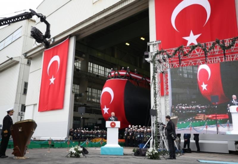 Первую собранную в Турции подводную лодку спустили на воду