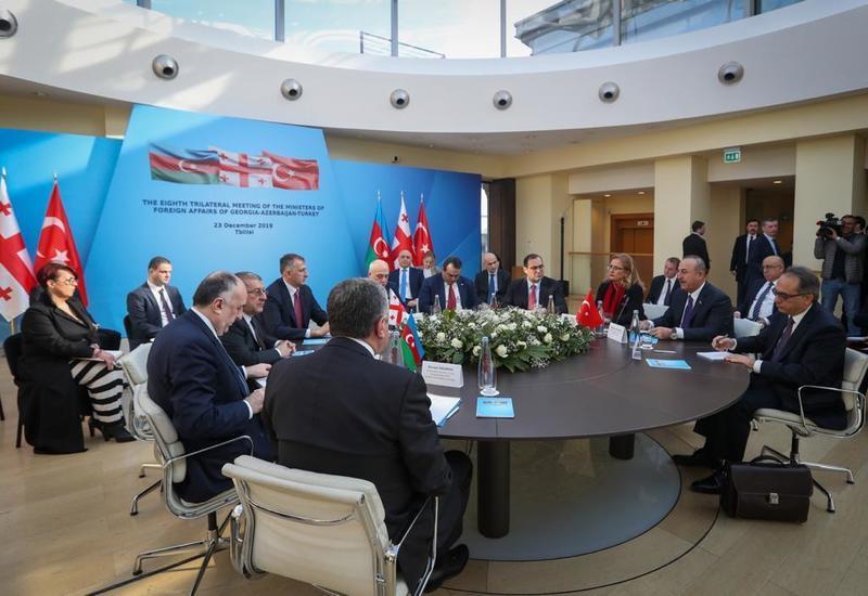 Главы МИД Азербайджана, Грузии и Турции распространили заявление