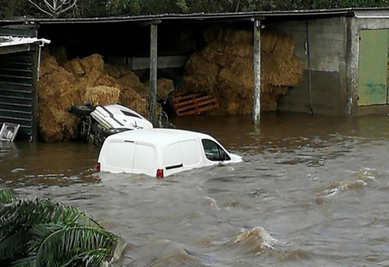 Из-за шторма Корсика оказалась изолированной от континентальной Франции