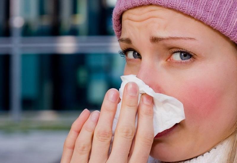 Почему наморозе появляется насморк