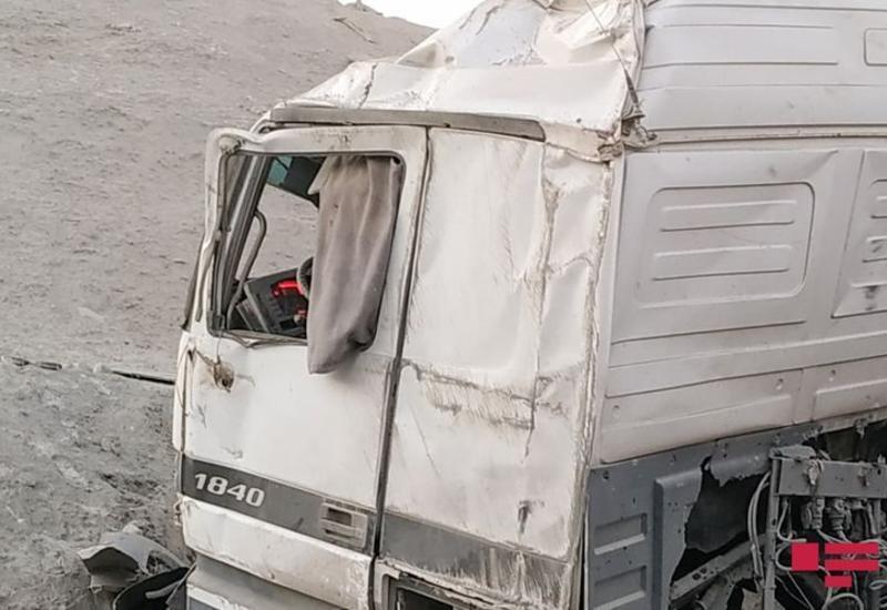 В Баку«KамАЗ» сбил насмерть 10-летнего ребенка