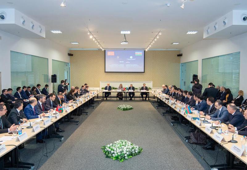 Азербайджан и Турция обсудили развитие сотрудничества в различных сферах экономики