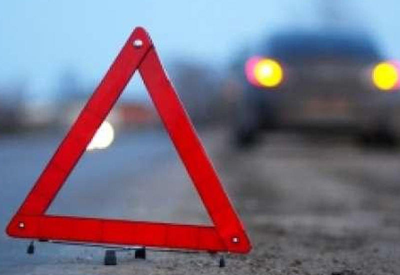 В Баку столкнулись два автомобиля, есть погибшие