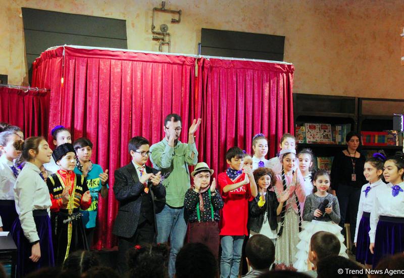 В Баку отметили Новый год среди множества книг