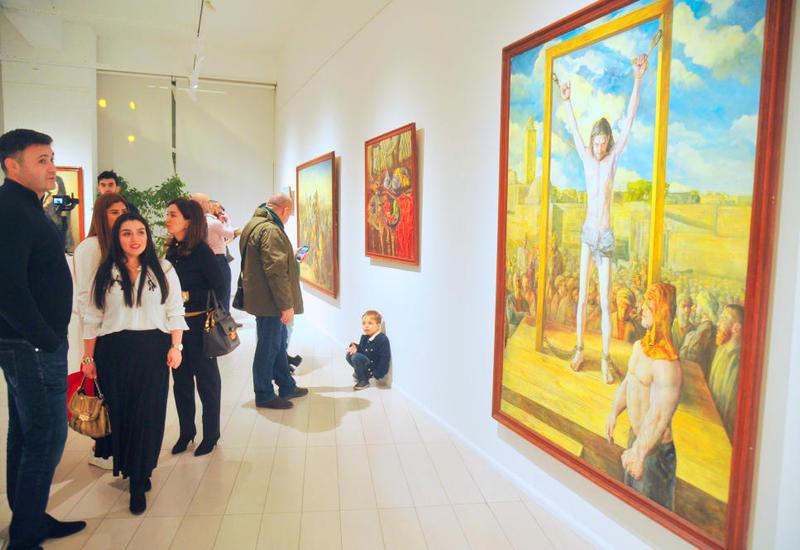 В Баку открылась выставка работ известного художника