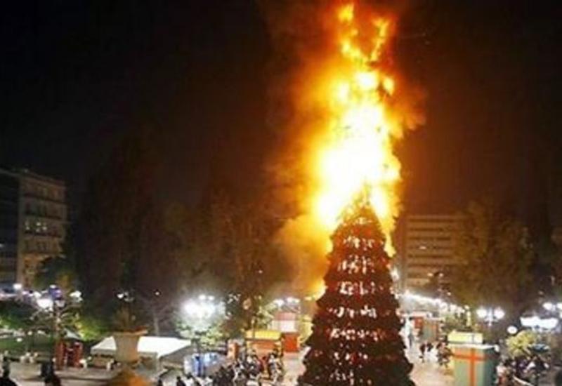 В Агдаше сгорела главная новогодняя елка района