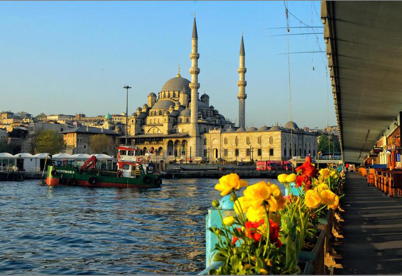 Азербайджанцы стали чаще отдыхать в Турции