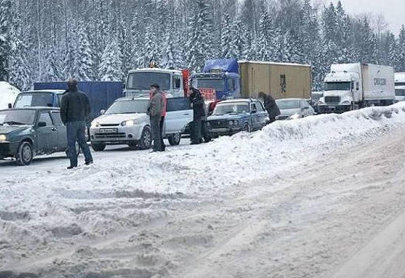 Тысячи армян встретили новый год в пробке на границе с Грузией