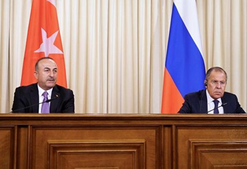 Лавров обсудил с Чавушоглу ситуацию после убийства Сулеймани