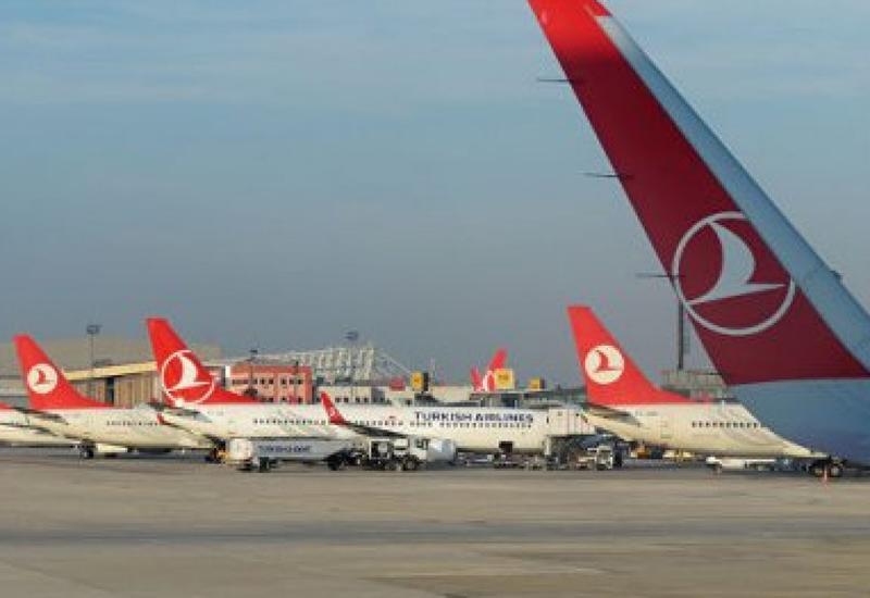 В аэропорту Стамбула самолет выкатился за пределы ВПП