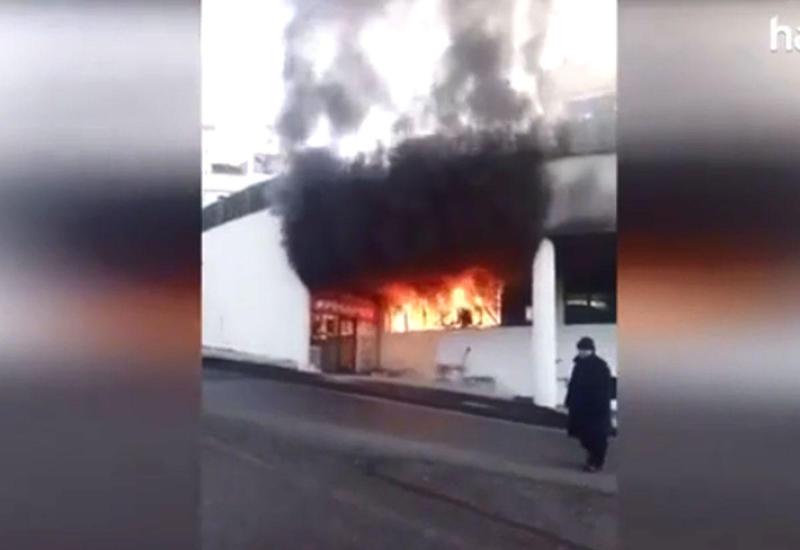 В Стамбуле произошел пожар в одной из частных школ