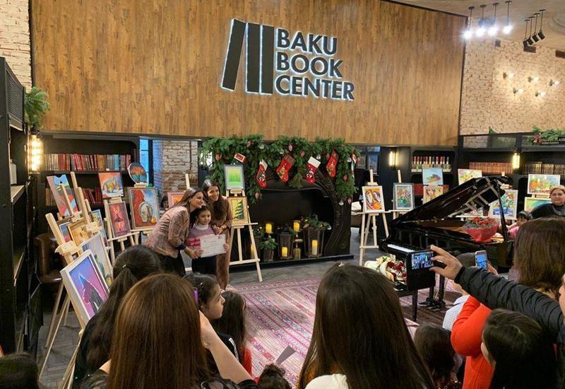 """В Баку состоялось открытие выставки """"Долина красок"""""""