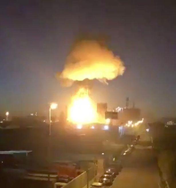 Мощный взрыв на заводе в Испании