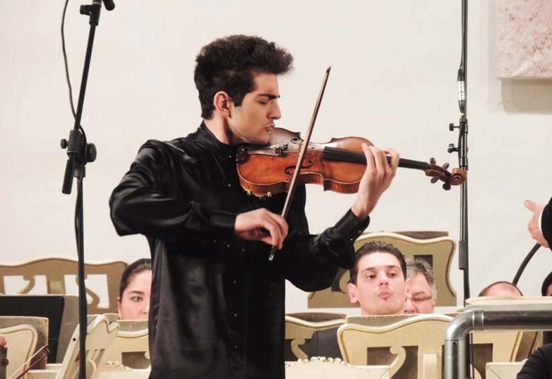 Азербайджанский скрипач-виртуоз удостоен награды в Турции