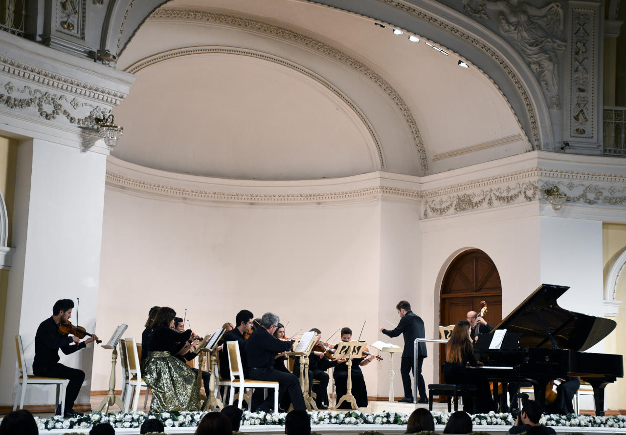 Мурад Адыгезалзаде предоставил юным музыкантам возможность выступить с оркестром имени Гара Гараева
