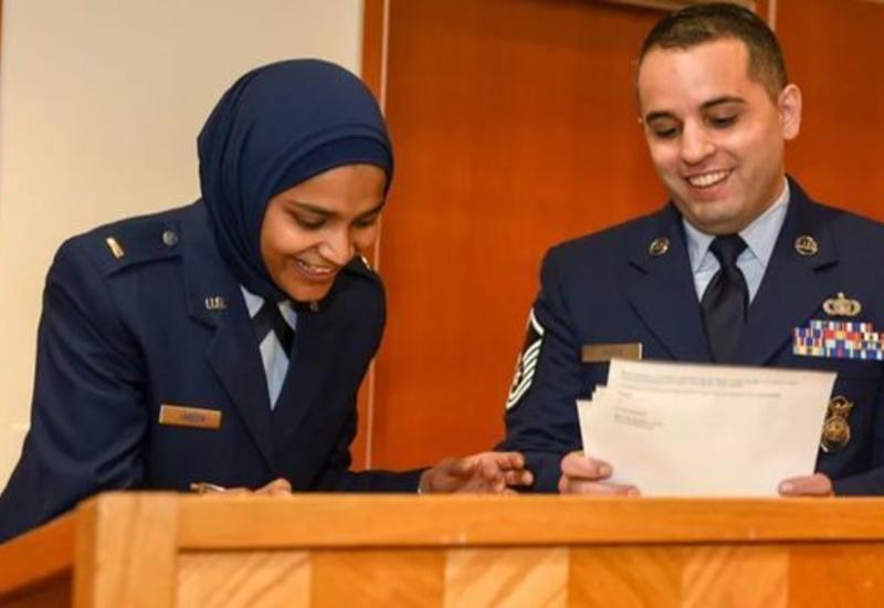 Армия США впервые взяла на службу мусульманку