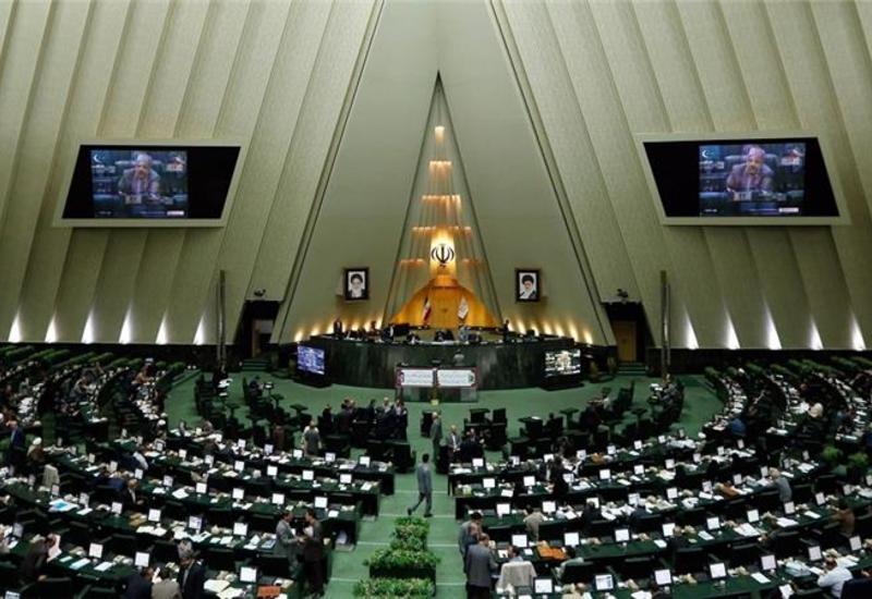 В парламенте Ирана обсудят меры, направленные против влияния США