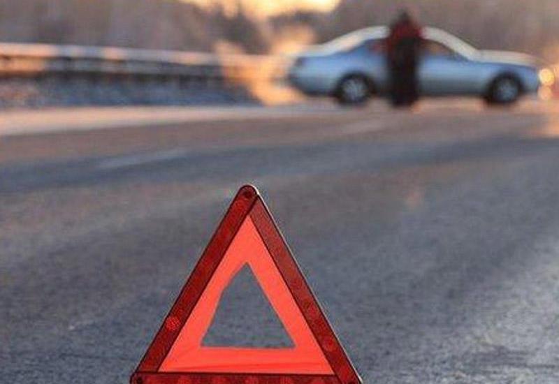 В Шамкире автомобиль сбил пешехода