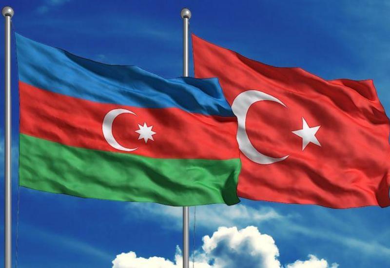 Более половины населения Турции считают Азербайджан самым надежным другом