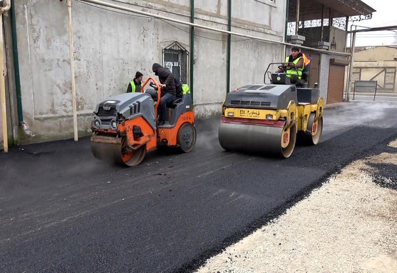 В одном из районов Баку реконструируются дороги