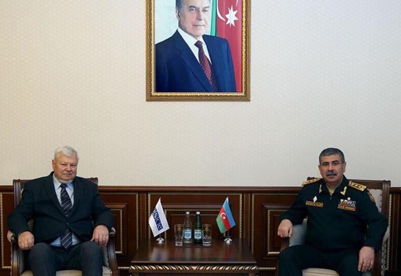 Закир Гасанов провел переговоры с личным представителем действующего председателя ОБСЕ