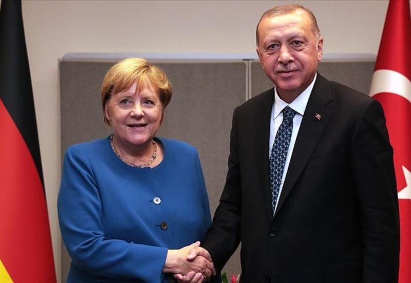 Меркель встретится с Эрдоганом в Стамбуле
