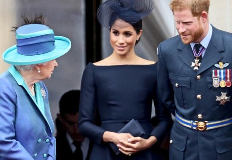 Королева оставила принца Гарри и Меган Маркл без поваров, горничных и лакеев